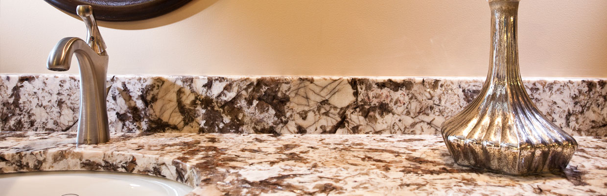 granite-countertop-in-bathroom